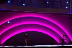 ''A vida é um palco de teatro que não admite ensaios. Por isso, cante, chore, ria, antes que as cortinas se fechem e o espetáculo termine sem aplausos. Charles Chaplin''  Terra da garoa, uma explosão de talentos!