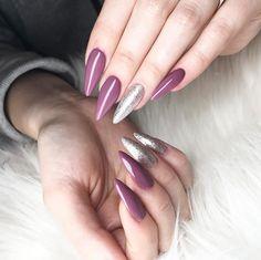purrple and glittery nails stilleto shaped nails