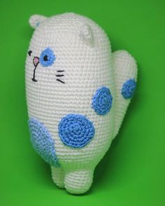 Nosso gatinho lindo! ❤ ---  capitaganchocroche@hotmail.com ✈ Enviamos para todo o Brasil  peças a venda na loja @buritiartes  Praia da Pipa / RN  foto: @silvialbertifotografia --- #croche #crochetaddict #moderncrochet #artesanato #crochetofinstagram #crochetlove  #presentes  #presentescriativos  #mimos  #fofura  #amigurumi #ganchillo  #craftastherapy #heklanje #handmade  #design #yarnaddict #babybooties #babyfashion #bebefashion #sapatinhos #allstar #meninos #meninas #newborn #recemnasc