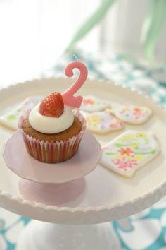 2歳のお誕生日パーティーアイデア☆「2」のデコレーションがかわいい♪
