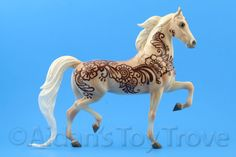 Breyer breyerfest Henna Horse clear colorful