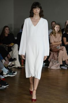 See the complete Greta Gram Spring 2017 show from Stockholm Fashion Week.