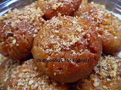 Μελομακάρονα σα του ζαχαροπλαστείου ! Δοκιμάστε τα θα σας ενθουσιάσουν ΓΙΑ ΤΗ ΖΥΜΗ 4 κούπες αλεύρι για όλες τις χρήσεις 1/2 κούπα σιμιγδάλι ψιλό 1/2 κούπα ζάχαρη 1/2 κούπα χυμό φρέσκου πορτοκαλιού 11/2 κούπα ελαιόλαδο ή(1 κουπα σπορέλαιο και 1/2 κουπα …