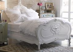 I want my little girl to have a bed like this :)