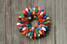 10 ghirlande di Natale fai-da-te a costo zero http://www.greenme.it/abitare/accessori-e-decorazioni/12043-ghirlande-natale-fai-da-te