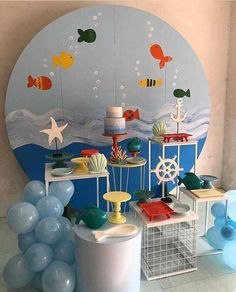 Essa festa com o tema Fundo do Mar ficou um arraso! Credito: @festacriativas #Festainfantil #FestaFundoDoMundo #FundoDoMundo #Fundo #DoMundo #FestaMenino Whale Party, Ocean Party, Shark Party Decorations, Birthday Party Decorations, Birthday Table, Baby Boy Birthday, Under The Sea Party, Boy Decor, Baby Shark