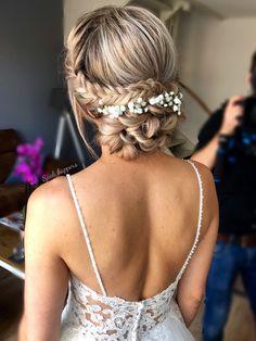 Romantic Updo, Romantic Wedding Hair, Romantic Hairstyles, Bride Hairstyles, Bridal Hair Updo, Wedding Hair And Makeup, Hairstyle Wedding, Updo Hairstyle, Hair Wedding