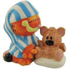 Garfield and Pooky Salt and Pepper Shaker Set - Westland Giftware - Garfield - Kitchenware at Entertainment Earth