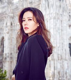 Son Ye-jin (손예진) - Picture @ HanCinema :: The Korean Movie and Drama Database Korean Actresses, Asian Actors, Korean Actors, Actors & Actresses, Korean Beauty, Asian Beauty, Skinny Fashion, Kdrama Actors, Korean Artist