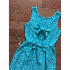 Pink Owl teal bow-back dress Bow-back cutout   Elastic waistband   Worn twice   100% Polyester   NO TRADES/HOLDS   ModCloth Dresses