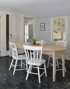 When Remodelista's Justine Hand and her husband, Chad, bought a wonky 1807 house on Rock Harbor, she already knew every cobwebby nook: With their two young