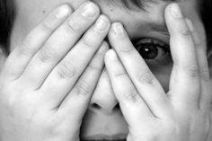 Concludiamo l'elenco delle fobie che iniziano con la lettera C. La Climacofobia è la paura delle scale, sia di salirle che di cadere da esse. La climacofobia è connessa con l'acrofobia, la paura alle altezze, (link : http://marcellanicolosi.over-blog.it/article-fobie-con-la-a-119749130.html...