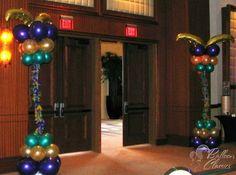 Columnas de Mardi Gras en globo
