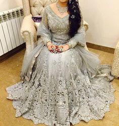 How stunning is this #suffusebysanayasir #pakistanfashion #instafashion #pakistanvogue #suffusebride by suffusebysanayasir