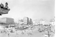 Omonia Square. Athens, 1938 Pericles Papachatzidakis Greece Pictures, Old Pictures, Old Photos, Athens History, Greece History, City People, Good Old Times, Athens Greece, Historical Photos