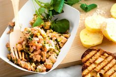 Create a fine dining experience at home with this fresh and smoked salmon tartare with dill and capers.