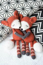 Mystique_the_fox_amigurumi_pattern_small_best_fit
