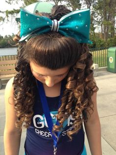 """Perf teased hair with curls! The """"poof"""" as I call it, is ALWAYSSS important! The curls. Just adding the """"Glam"""" factor! Cheerleading Hair Bows, Cheer Hair Bows, Cheerleading Stunting, Fancy Hairstyles, Ponytail Hairstyles, Cheer Hairstyles, Hair Ponytail, Updos, Teased Hair"""