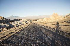 Mochilão Atacama, Machu Picchu e Deserto de sal -- Pessoal, estou querendo fazer uma trip para o Chile, Bolívia e Perú em julho, mais ou menos 15 dias. Mas não sei nem por onde começar, alguém já foi? O que pode me dizer sobre? Pensei em começar por Lima e Cuzco, depois para Copacabana, Isla del Sol, La Paz e San Pedro de Atacama! Quantos dias ficar em qual cidade, qual o melhor roteiro?