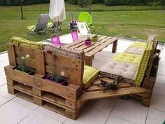 Pallet Ideas : Want to renew your house with wooden pallet furniture? We're the right place for you. Visit us and get to know a lot of pallet inspiration. Pallet Garden Furniture, Furniture Projects, Wood Projects, Diy Furniture, Woodworking Projects, Garden Pallet, Garden Sofa, Outdoor Projects, Palette Furniture