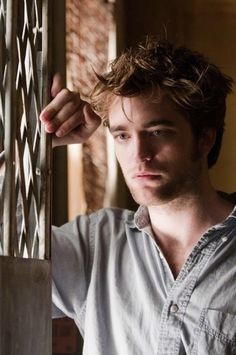 Robert Pattinson in Remember Me....great movie...