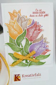 Diese Kartenidee könnt Ihr zu vielen Anlässen basteln. Sie ist farbenfroh und nicht nur zu Ostern geeignet. Auch zum Geburtstag, Geburt, als liebes Dankeschön und, und, und. Etwas knifflich ist die Anordnung der einzelnen Tulpen. Hier kommt es drauf an, dass keine Tulpe in der Luft schwebt. Alle Tipps und Tricks zu dieser Idee habe ich in der ausführlichen Anleitung auf meiner Webseite beschrieben. Book Folding, Website, Tips And Tricks, Easter Activities, Birthday, Tutorials