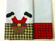 Kit com 2 panos de copa. 1 com aplique bordado e o outro com a barrinha decorativa de tecido. Os tecidos podem variar de acordo com a disponibilidade em estoque. R$ 39,41
