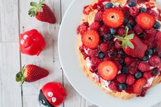 Healthier Red Nose Day bake sale inspiration! Clean eating Pavlova recipe which is dairy free, sugar free and gluten free.