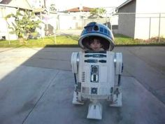 Omgosh... !! R2D2 remote-controlled halloween costume... So incredibly cute.