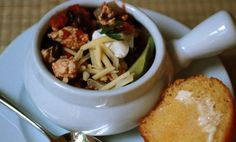 Turkey Chili When I had my second baby, my friend and neighbor Debbie brought this … Healthy Menu, Turkey Chili, Fast Dinners, Kid Friendly Dinner, Winter Food, Fall Recipes, Poultry, Delish, Favorite Recipes