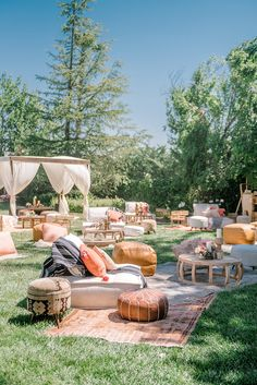 Event Decor, Outdoor Living, Garden Design, Exterior, Backyard Engagement Parties, Boho Lounge, Backyard Movie Nights, Vintage Garden Parties, Fall Picnic