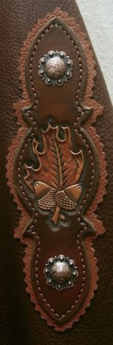 Handmade Western Chinks The tooling matches my barrel saddle. I just wish this was in light oil Leather Fringe, Leather Belts, Leather Tooling, Western Chinks, Riding Cowgirl, Cowgirl Style, Western Style, Barrel Saddle, Spur Straps