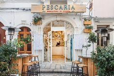 Nestled among the alleys of picturesque #Polignano, #Pescaria's design evokes the typical fisherman house, being the place where local cuisine is revisited in an innovative way Design by oltrestudio #restaurant