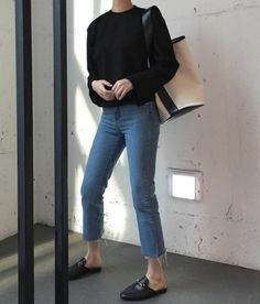 25 Trendy Moda Chic Fashion Shoes Source by Fashion outfits Look Fashion, Korean Fashion, Autumn Fashion, Fashion Outfits, Fashion Shoes, Ulzzang Fashion, Fashion Tips, Classic Outfits, Casual Outfits