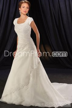 Pretty A-Line/Princess Square Floor-length Chapel Organza Wedding Dresses