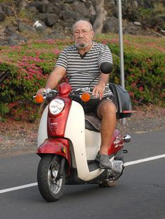 Moped helmet  law floated for Hawaii ... shop.kapotrading.com
