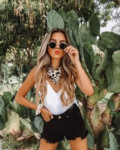 VICI Jill DeConti Source by outfit summer fashion style Festival Looks, Festival Mode, Country Music Outfits, Country Concerts, Country Concert Outfit Summer, Summer Concert Outfits, Summer Festival Outfits, Coachella Outfit Ideas, Outfits For Concerts