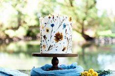 Calgary Baker - specializing in custom wedding cakes and sweet treats! Wedding Cake // Custom Cake // Floral Cake // Baker // Wedding Treats // Wedding Desserts // Real flowers on cake // Edible flowers // #calgarycakeartsist #weddingcakes #albertaweddingsocial Edible Flowers, Real Flowers, Wedding Desserts, Wedding Cakes, Birthday Cake With Flowers, Dog Bakery, Floral Cake, Custom Cakes, Calgary