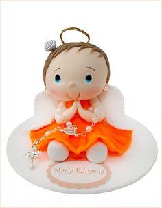 Topo de bolo batismo com vestido laranja.