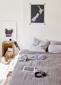 Miscellaneous Room and Interior Designs for your Inspiration Pictures) > Baukunst, Design und so, Fashion / Lifestyle, Netzkram > arch… Home Bedroom, Bedroom Decor, Budget Bedroom, Guy Bedroom, Casual Bedroom, Bedroom Ideas, Summer Bedroom, Clean Bedroom, Bedroom Night