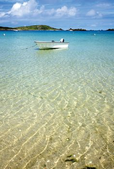 The Caribbean? No the stunning  Isles of Scilly, off the coast of Cornwall, England