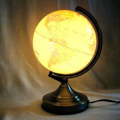 lluminated Desktop World Globe