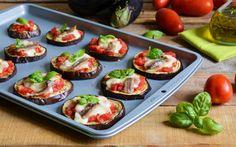 Un antipasto di verdure sano, veloce e gustoso. La ricetta delle pizzette di melanzane del Cucchiaio d'Argento conquista tutti, grandi e piccini