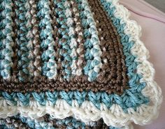 Dots and Dashes blanket - free crochet pattern
