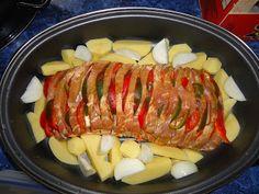 Hungarian Recipes, Hungarian Food, Pork Recipes, Sausage, Bacon, Food And Drink, Xmas, Hungarian Cuisine, Navidad