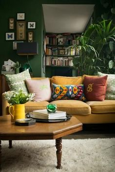 47 Inexpensive Green Living Room Décor Ideas To Try Today - The choice of colour scheme for the living room is more likely to relate to how the room is used than to other criteria. If the room is large and comb. Living Room Green, Boho Living Room, Bedroom Green, Home And Living, Eclectic Living Room, Cozy Living, Living Room Warm Colors, Living Room Vintage, Green Bedroom Design