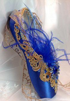 Sleeping Beauty Blue Bird decorated pointe by DesignsEnPointe Ballet Crafts, Shoe Crafts, Tutu Ballet, Ballet Dancers, Pointe Shoes, Toe Shoes, Blue Ballet Shoes, Ballet Beautiful, Beautiful Shoes