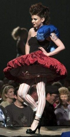This one deserves an award, seriously. Best Alice in Wonderland costume I've ever seen!
