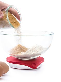 The Drop Kitchen Connected Scale and Recipe App allow anyone to bake beautiful and delicious creations, regardless of experience.