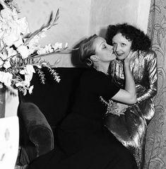 Марлен Дитрих и Эдит Пиаф. Нью-Йорк, 30 октября 1947 г.